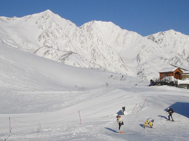 オリンピック女子滑降スタートハウス付近から見た白馬三山♪