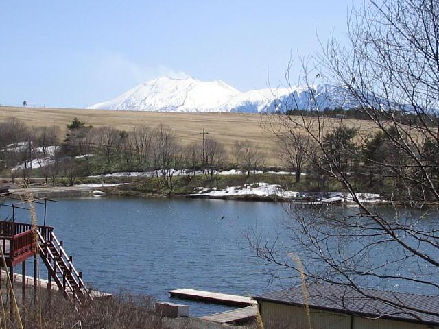 バラギ湖から見る浅間山っ♪