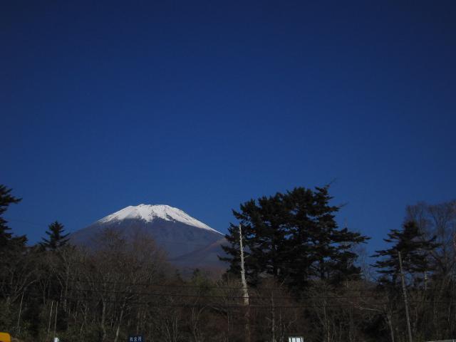 駐車場より富士山を望む♪