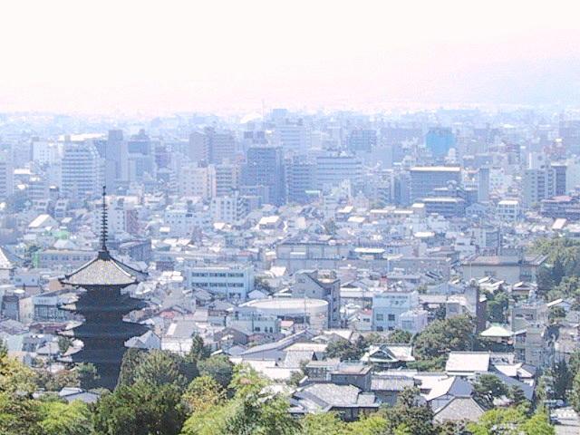 霊山より京都市街を眺む