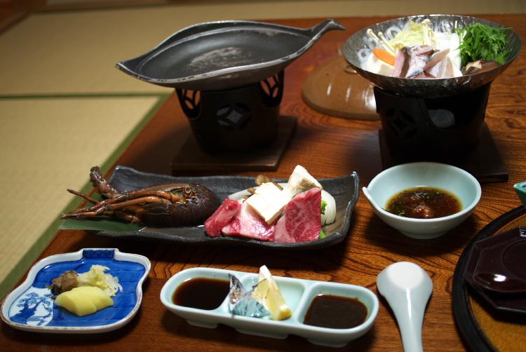 焼き物@伊勢海老陶板焼き 牛ロース 他付合せ野菜 三種のタレ&鍋物@本クエちり鍋