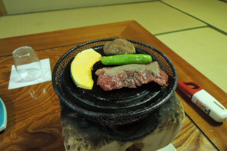 黒毛和牛の石焼ステーキ@焼身中♪