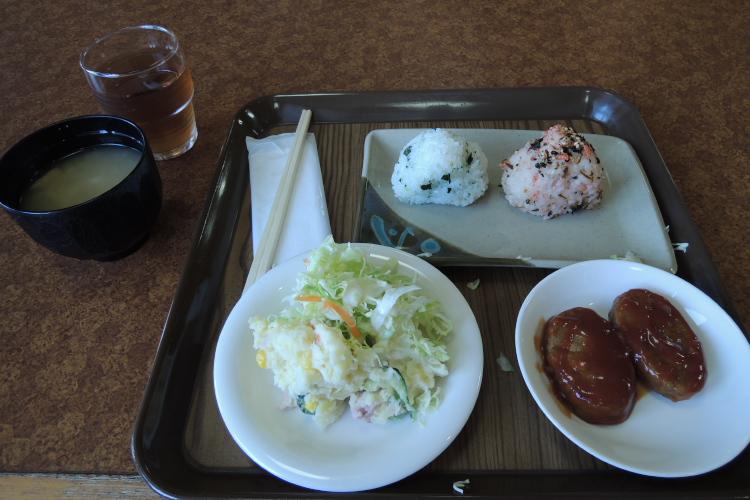 無料サービスの朝食♪
