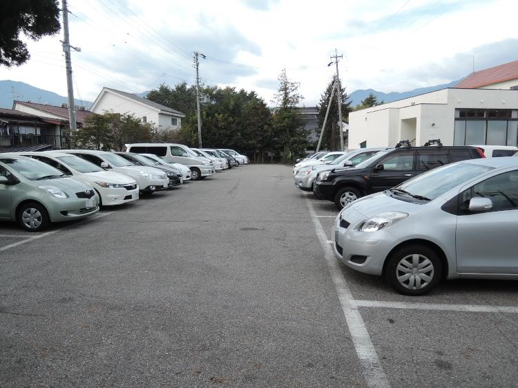 駐車場状況 (その1) ♪
