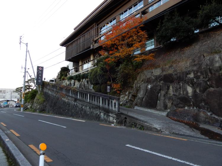 宿への上り坂♪