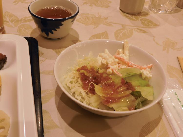 朝食(サラダ)♪